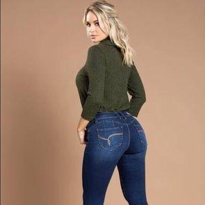 YMI WannaBettaButt? Washed folded ankle jeans 🍑